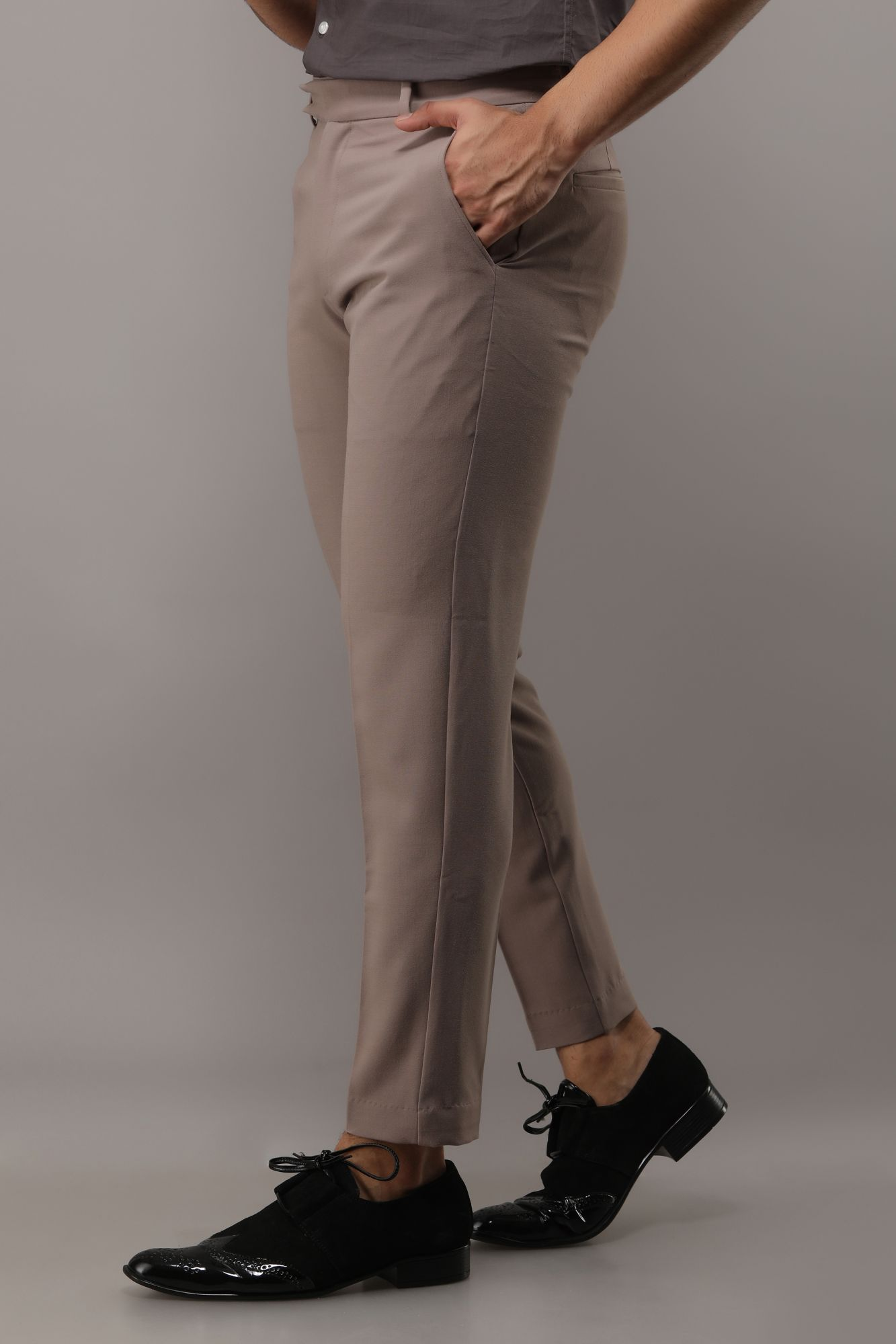 Flowing Tailored Fit Pants