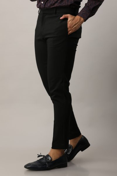 Men's Tailored Fit Pants In Black