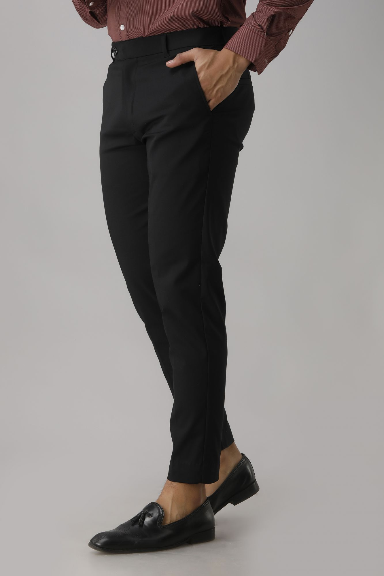 Tailored Fit Pants In Black