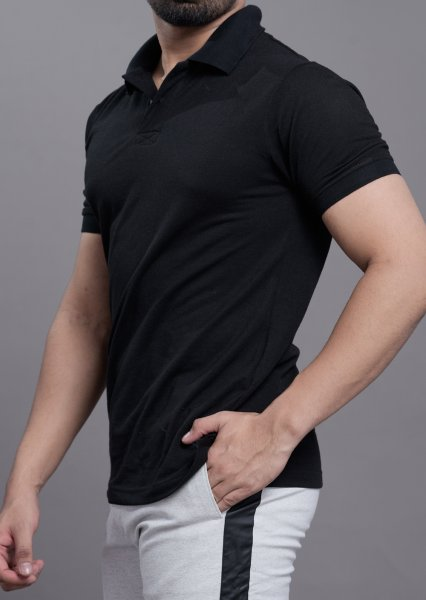 Polo tshirt in solid black