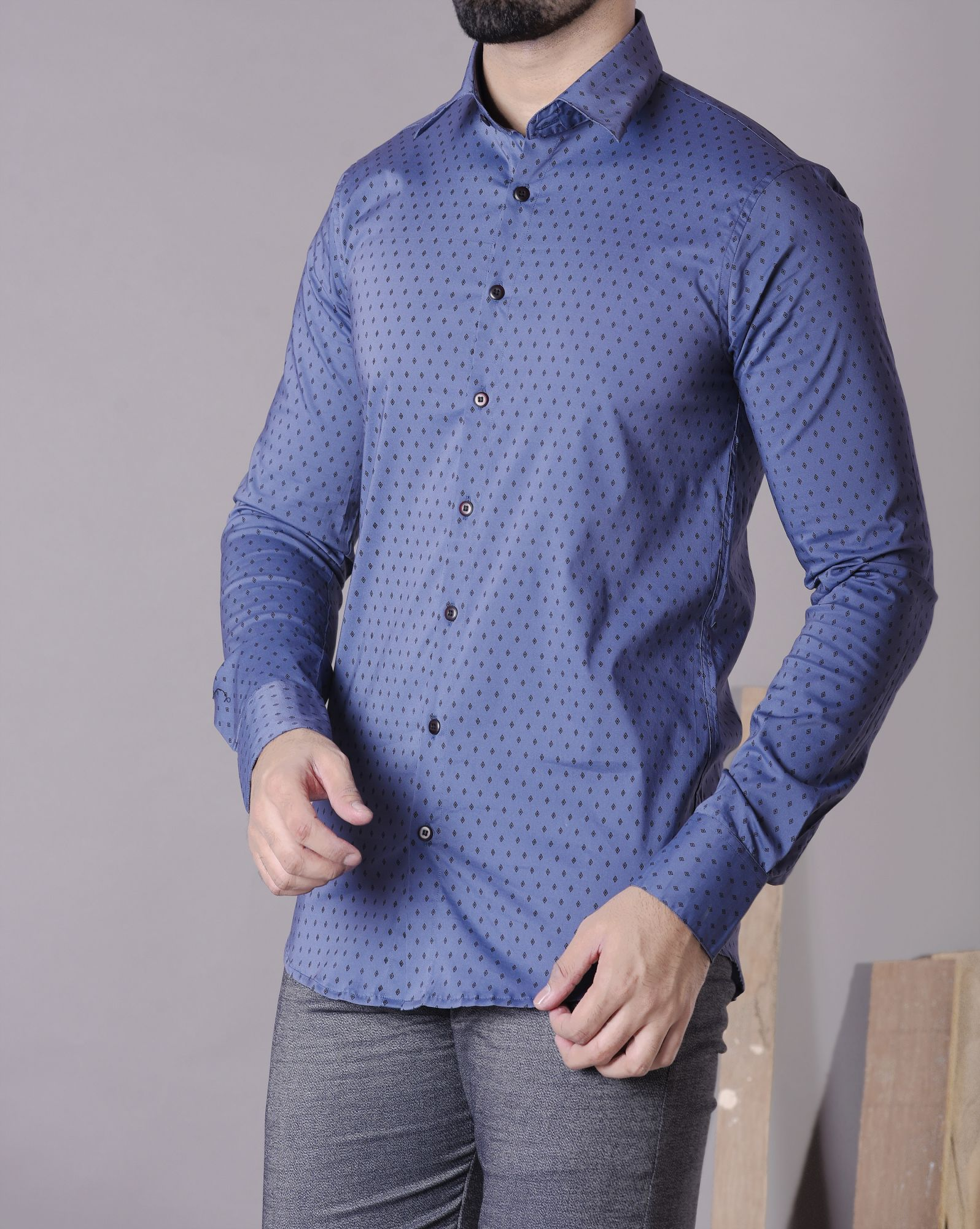 Ultra slim fit shirt with detailed prints